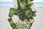 Украшение свадебной арки живыми цветами