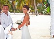 Марика и Павел, свадьба на пляже Хуанийо и морская прогулка