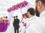Фиолетовая свадьба на одном из самых красивых пляжей мира — Juanillo Beach, Кап Кана {Остин и Алина}